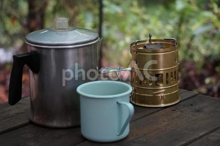 キャンプのコーヒーの写真