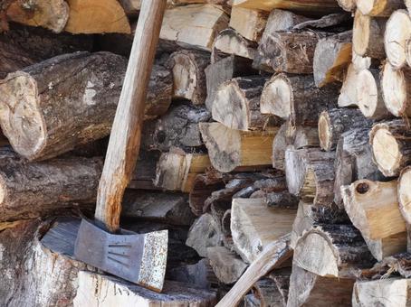 木柴和斧头