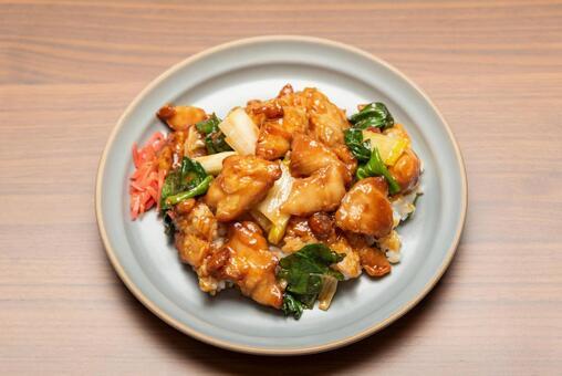 닭 꼬치 덮밥
