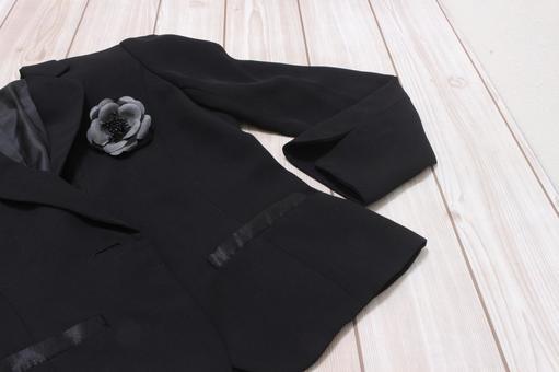 검은 재킷과 고교