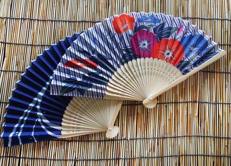 Devil and folding fan