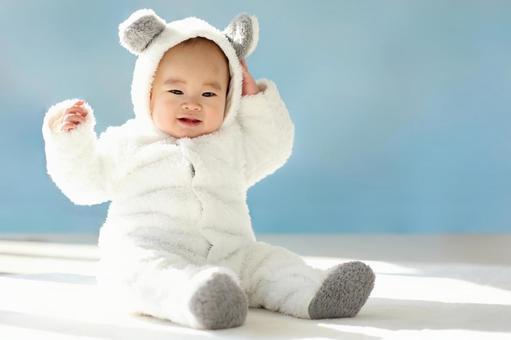 북극곰의 코스프레를하는 아기 3