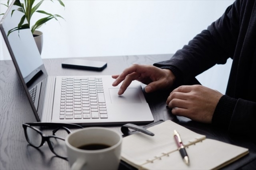 Business image: PC operation / right hand keyboard