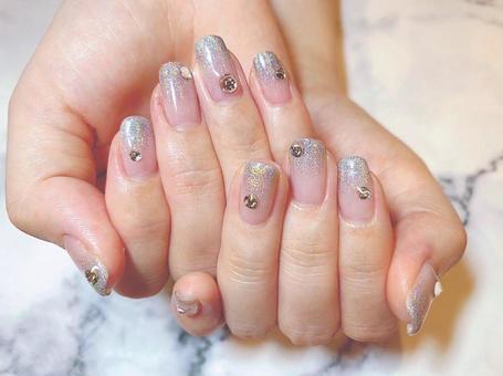 Gel nail