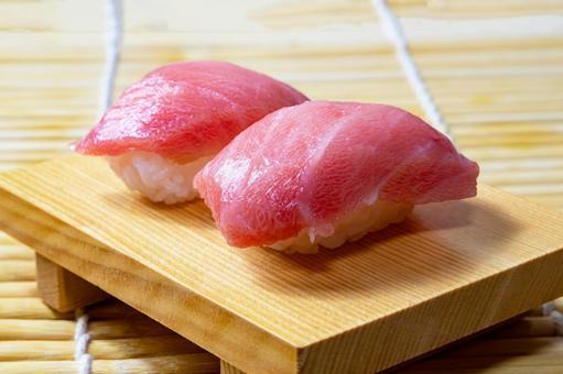 Chutoro nigiri 壽司