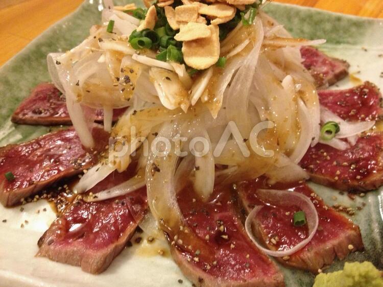 牛肉のタタキの写真