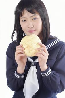 高中女生多吃冬瓜麵包1