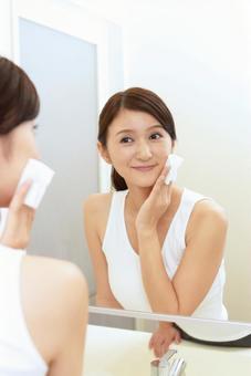 Female skin care image