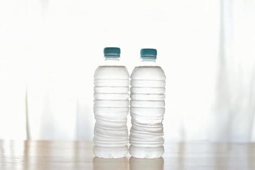 塑料瓶中的水