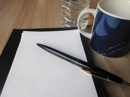 Notepad pen mug