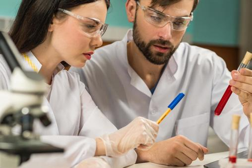 Male-female researcher 48