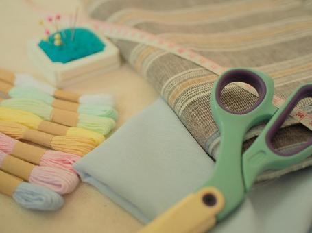 Handicraft tools