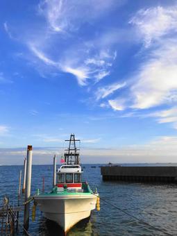 조용한 항구의 풍경