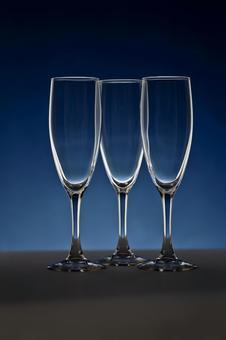 玻璃照片香槟酒杯蓝色背景