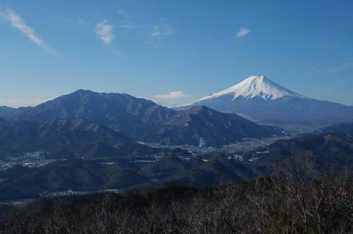 야마나시 현 高川山보다 후지산