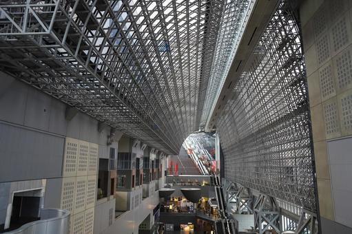 Geometric pattern of Kyoto station
