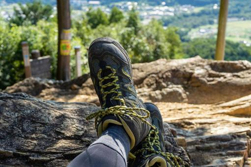 A moment of relaxation during mountaineering