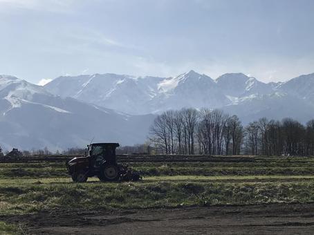 하쿠바 무라 트랙터 농사 설산