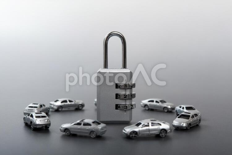 車と鍵の写真