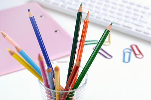 Colored pencil on the desk 1
