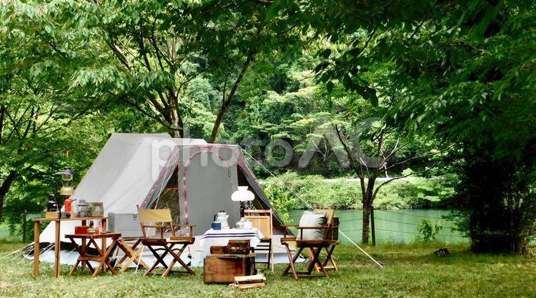 湖畔キャンプの写真