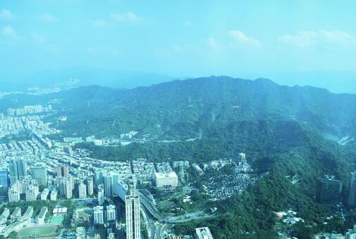 타이베이의 고층 빌딩에서의 전망 (원경)