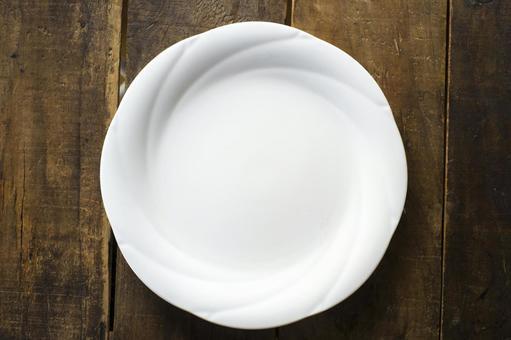White elegant dish _ overhead view