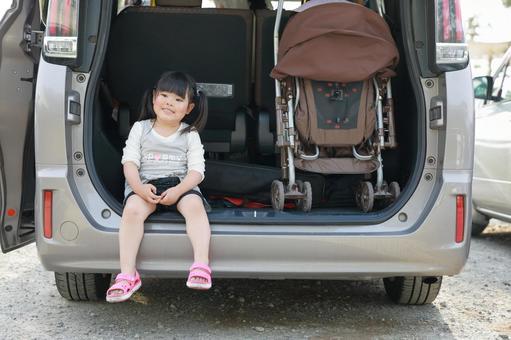 Girl 1 who came on a minivan trip