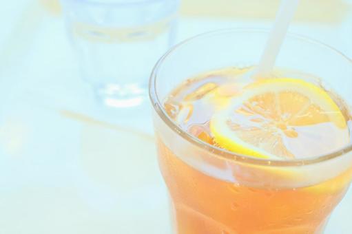 Ice lemon tea at the cafe