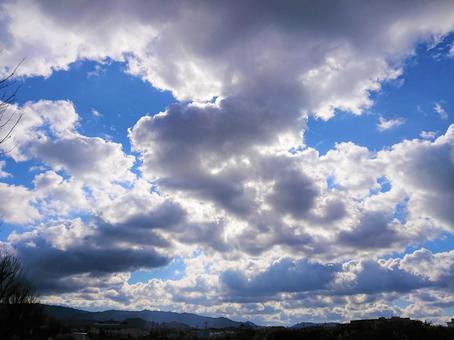 December morning sky / 1