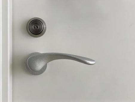 열쇠 구멍과 손잡이