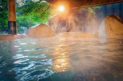Open-air rock bath image