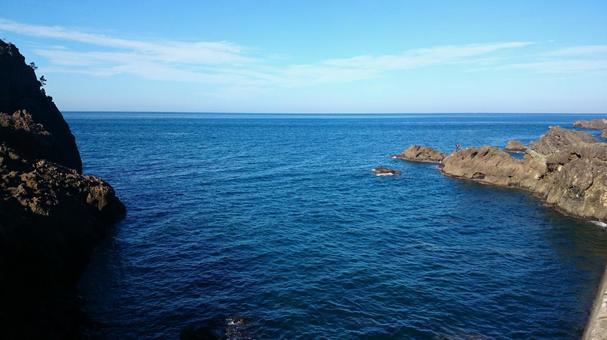 후쿠이 현 에치젠 해안에서 바라 보는 수평선과 하늘