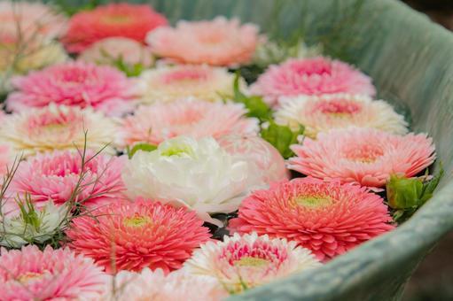 Pink flower chozuya