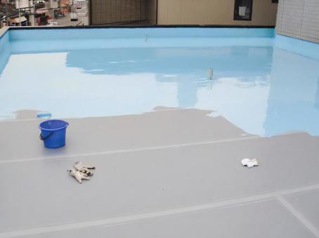 Urethane waterproof coating is under construction