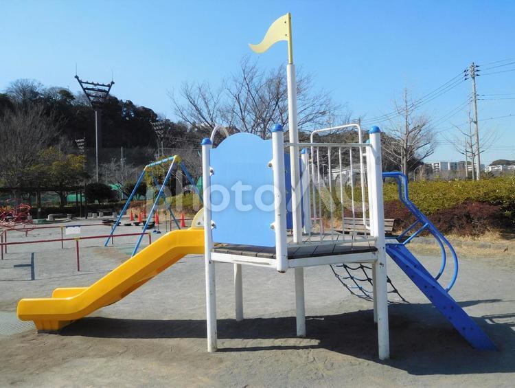 公園遊具 滑り台の写真