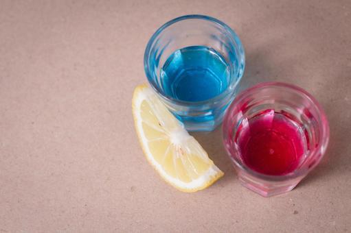 饮料,柠檬1的两种颜色