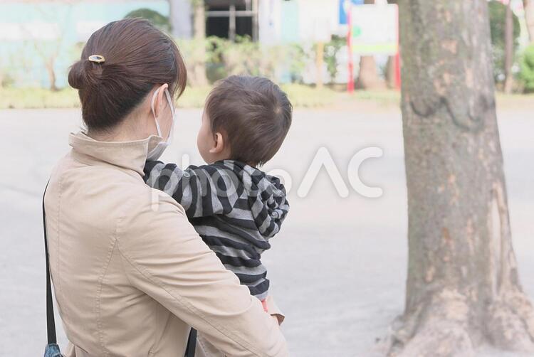母と子どもの写真