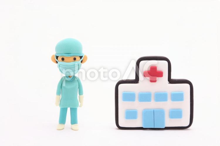粘土人形 手術する医者2の写真
