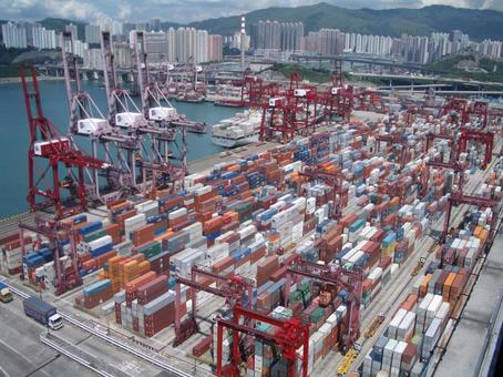 Ports and containers