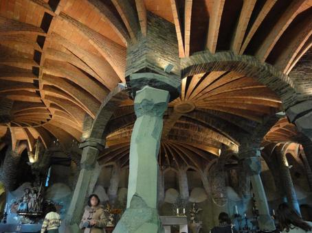 Colonia Guell Church Ceiling