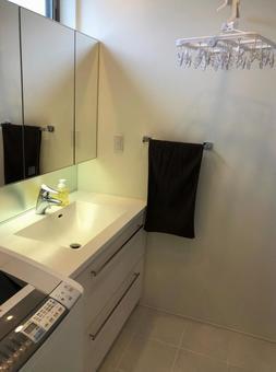 Washbasin and clothesline ⑵ Hanger