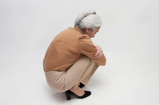 Senior woman occupying 6