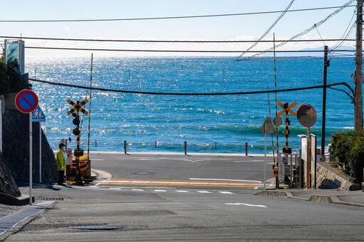 가나가와 현 가마쿠라시 가마쿠라 고등학교 앞에서 건널목