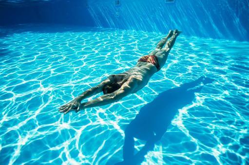 수중 촬영 수영 남자 8