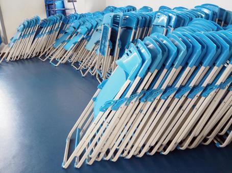 정리 된 접이식 의자