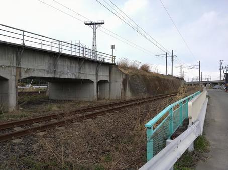 JR 東福島 역 근처 아부 쿠마 급행 선로 부근