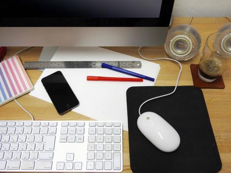 Desk work image 03