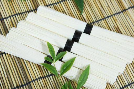 Somen noodles noodles
