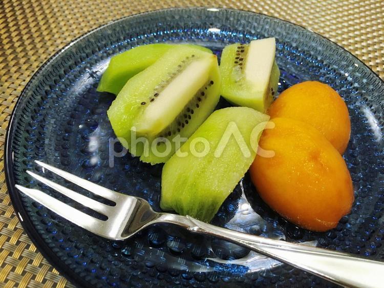 デザートはフルーツの写真